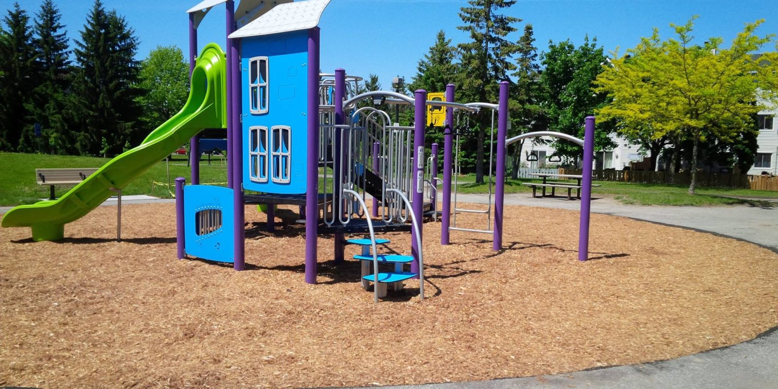 City parks and amenities are now closed, walkthroughs permitted only